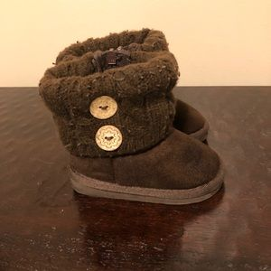 Infant Girl's Brown Winter Boots In Size 5